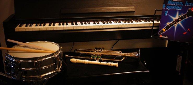 Muziekschool-instrumenten